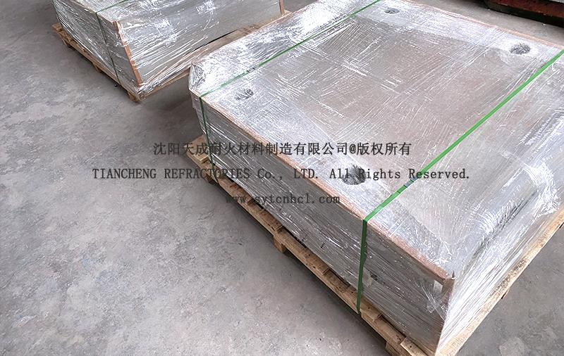 30吨中频炉出钢槽预制件准备包装发货